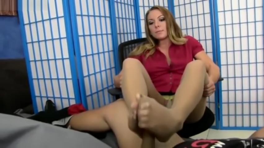 Doctor Hazel have to relief a patient with a nylon foot job