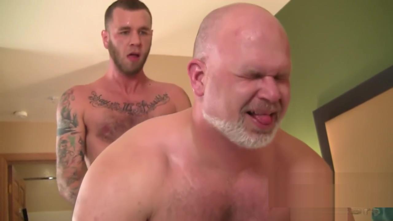 Naturalbornbreeders - Otter Ryan Powers Breeds Muscle Bear Wade Cashen Is it safe to lick a girls asshole