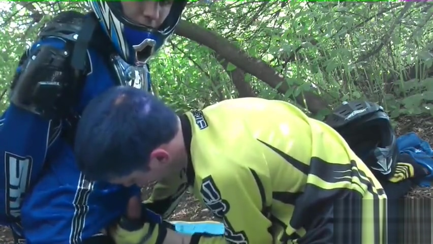 Outdoor Sucking in Motocross Indiaan Pussy Eating Sex