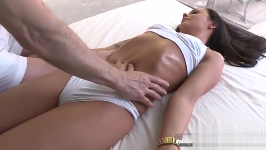 Box Truck Sex ? Angelina Wilde