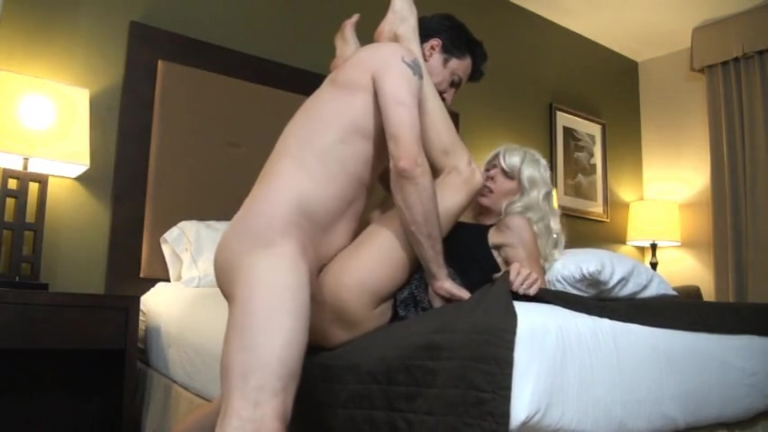 Hot Wife Hialry duff upskirt