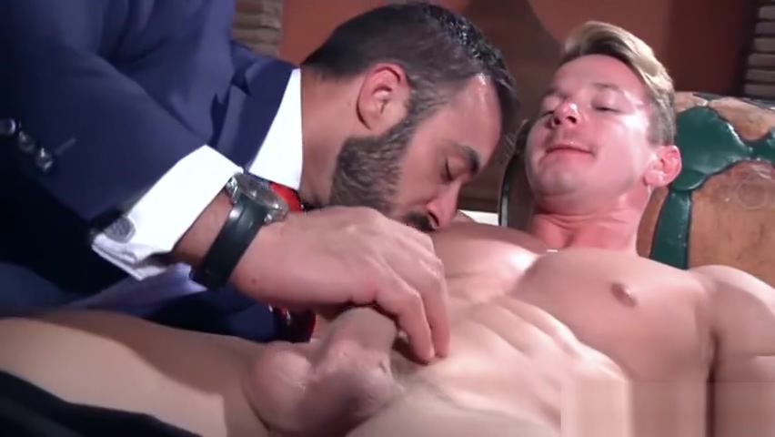 Muscle gay anal sex and cumshot Hot tits and nipples