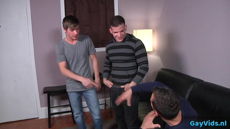 Tattoo jock threesome and cumshot 3som with real mom porn