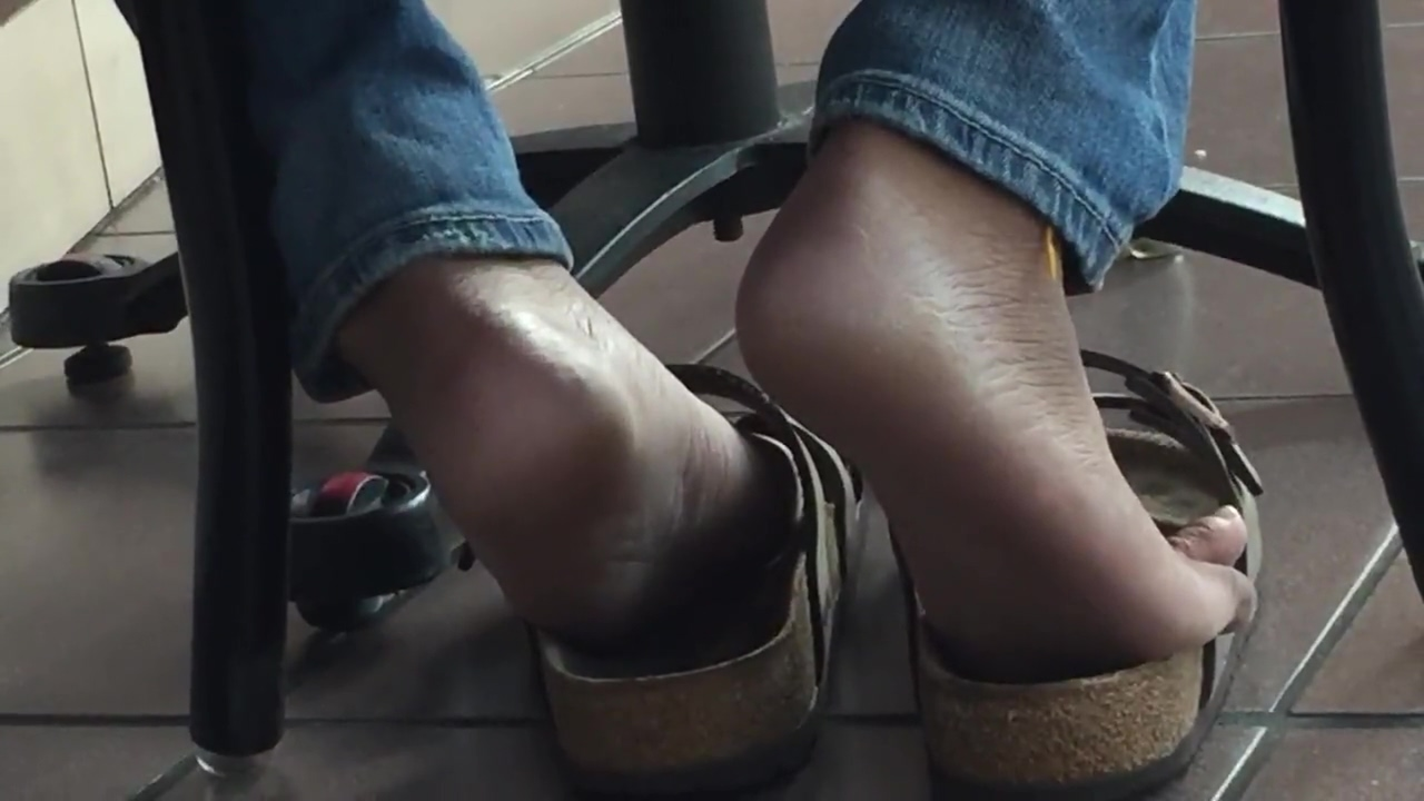 Candid Indian shoeplay pandaren blowjob futa female 1