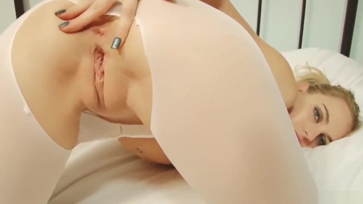 ku 105 Hot old lady big tits naked