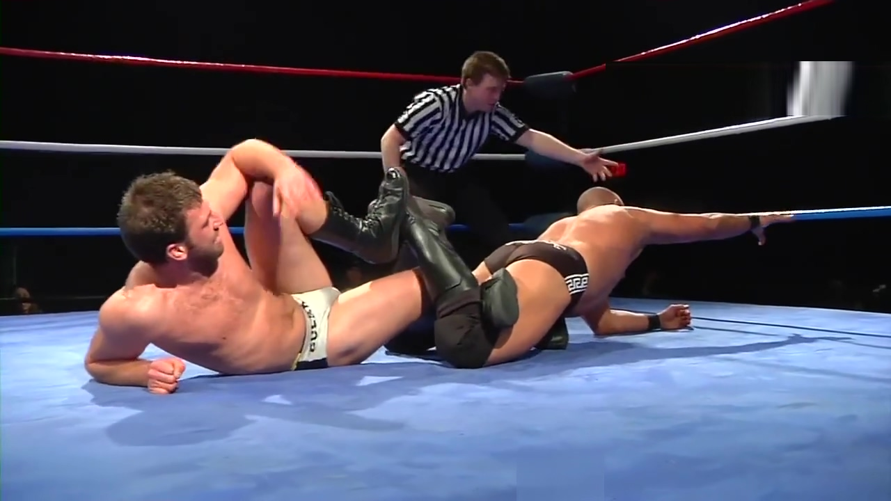 Hot Wrestling Men: Gulak vs Greek God Mexican big boobs pics