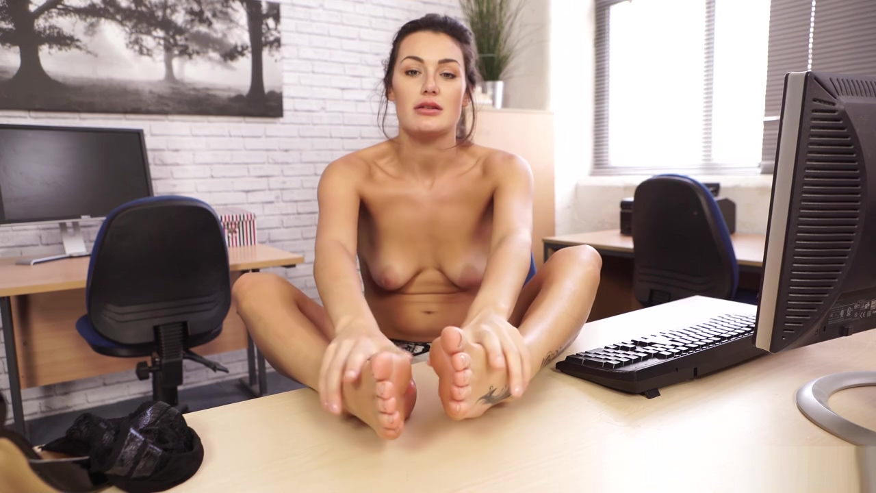 foot fetish Locanto shemale