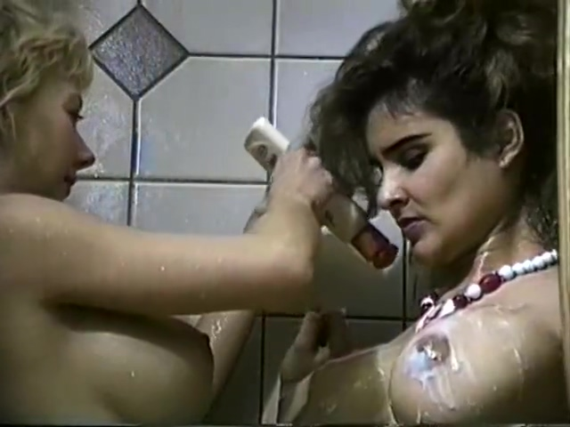 Leanna Foxxx and Jessica Fox Shower Together big and black and tit
