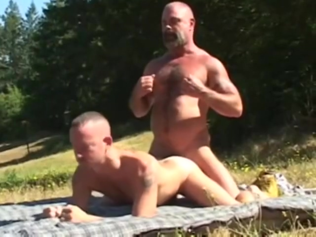 Bears in the woods model wet group sex thicknbustycom jpg 1
