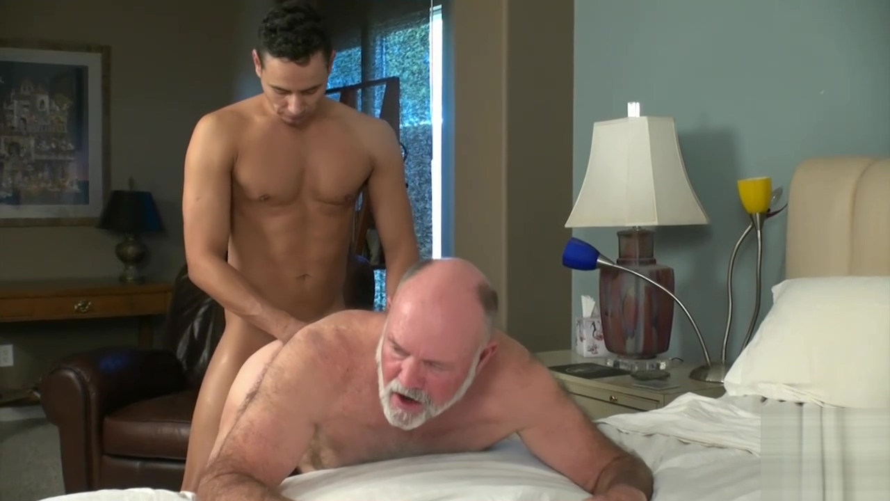 Mighty Fuck -70 year old handsome daddy flip flopping with young Lad How to have sex in the bed