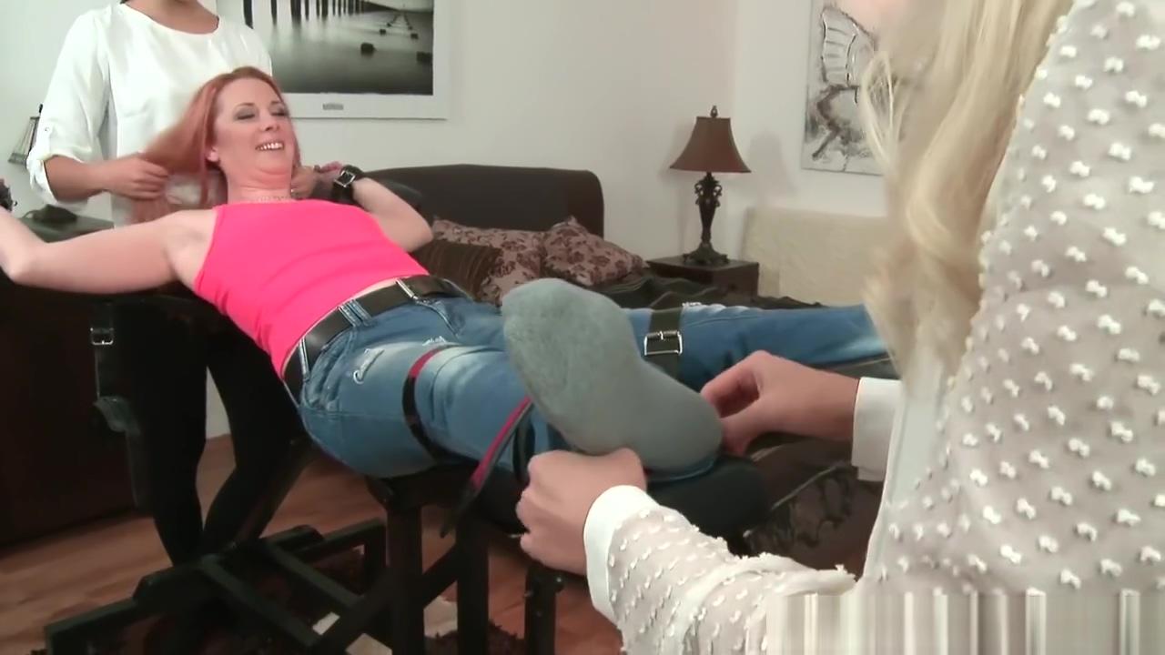 czech tickling nina free videos female deflowering sex