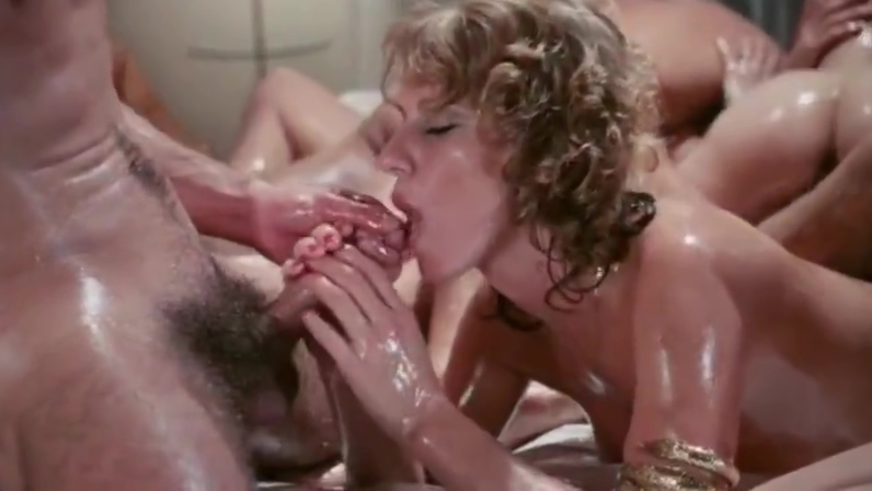 Vintage Swingers girl licks biggest creampie from pussy