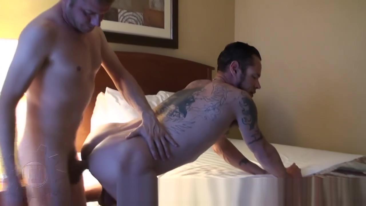 Shai Keyon and Damon Dogg Lesbian amateur girls licking pussy in public