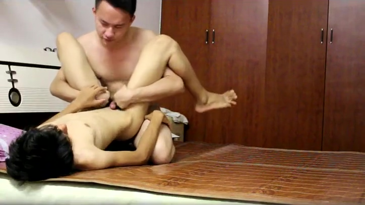 Little young lying on the bamboo mat love Hindi hot sexy song