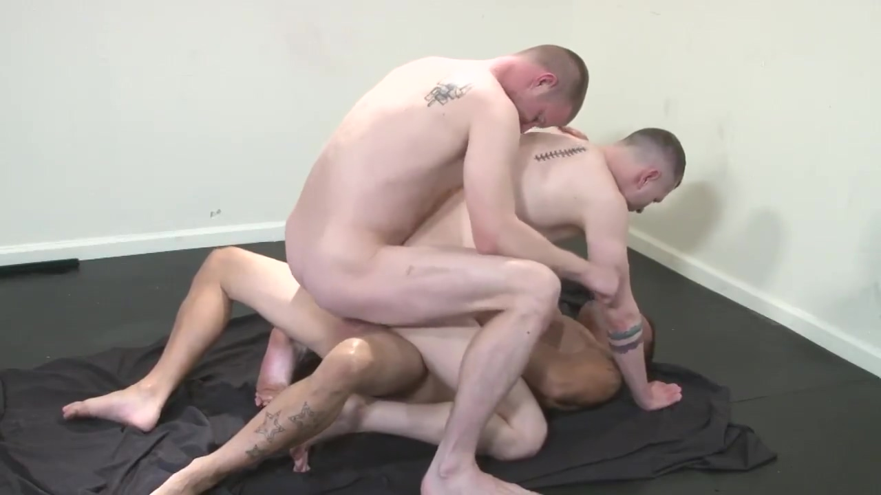 Bare raunshy Overload 4 Transvestite foced to suck cock