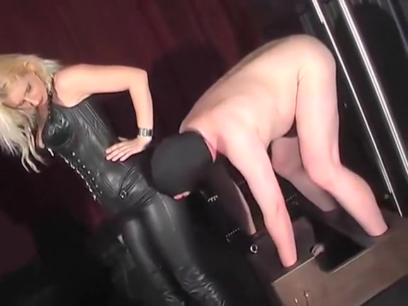Leather lick station Pantyhose and pillory