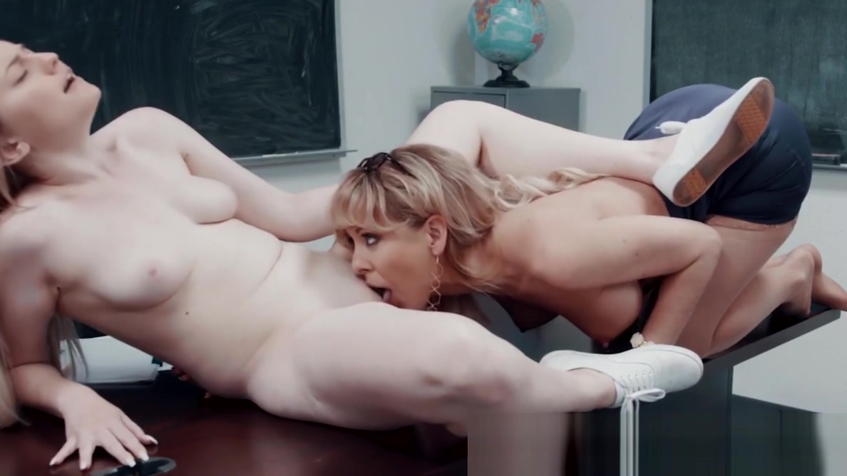 Maddy OReilly tongue fucked by Jenna Sativa while on phone