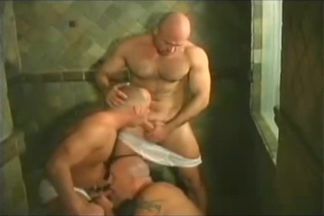 Three muscular bears fucking in the shower Free Anal Pprn