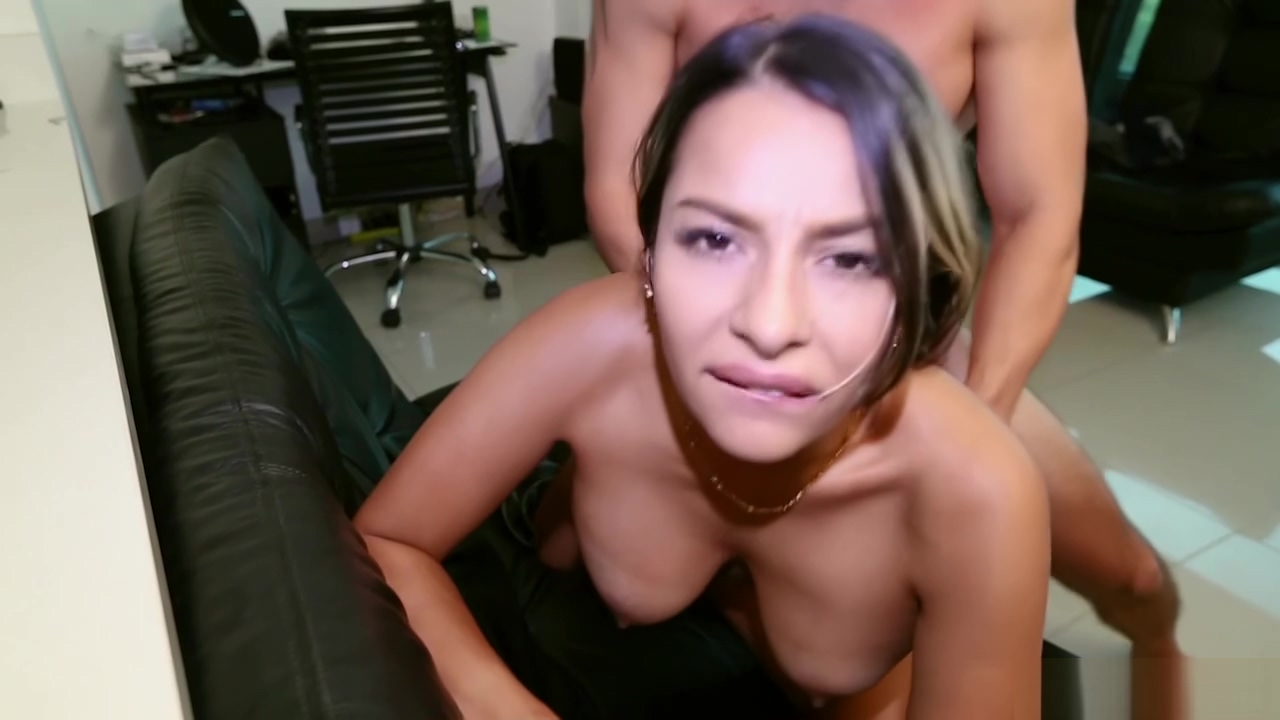 Catalina Diaz Pounding a Colombian MILF Free Online Hookup Site On Mobile Phone