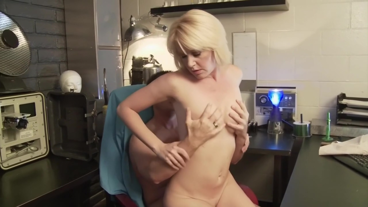 Beverly Lynne in Tanya X Get in mood sex wife