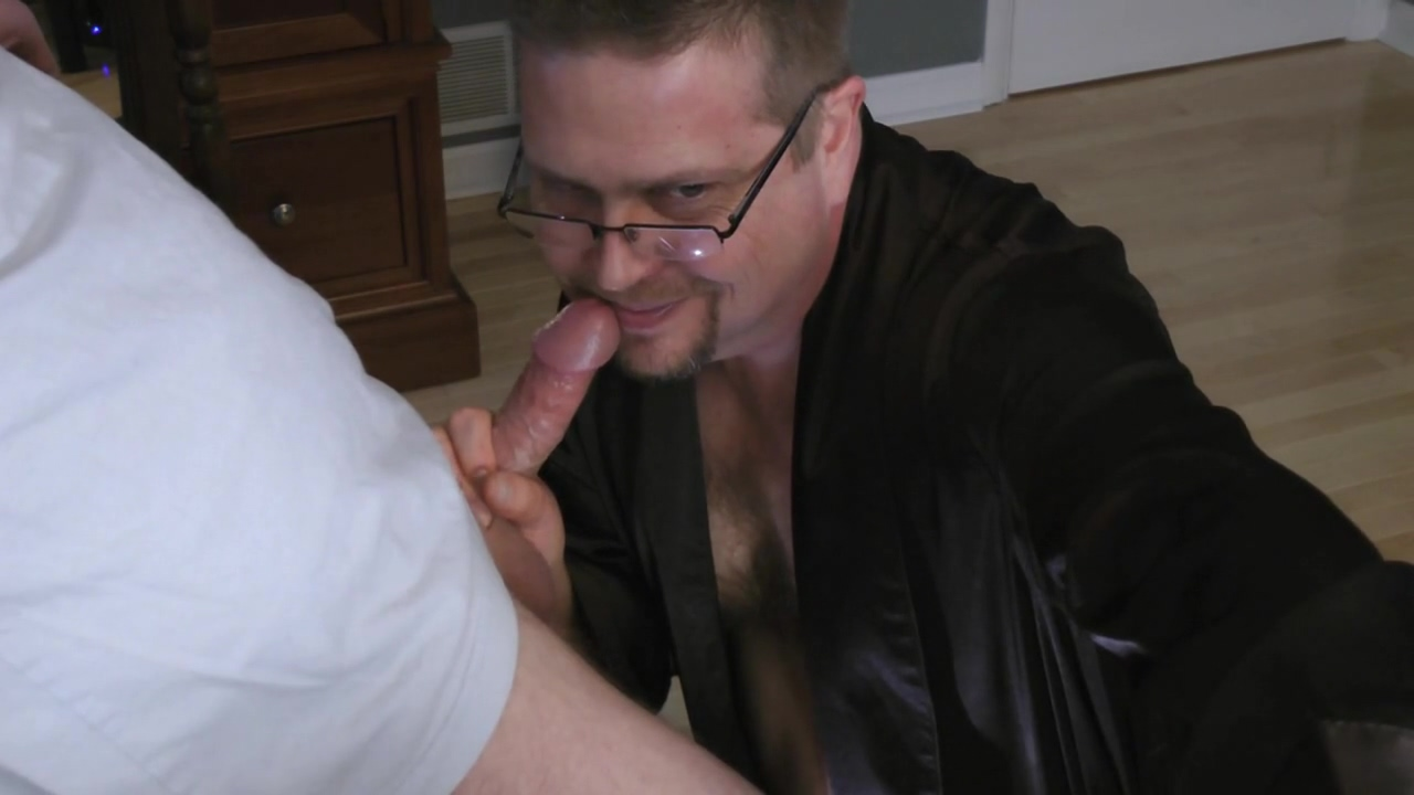 ROB BROWN: SPURTIN & SQUIRTIN CLIP P2 CUMSHOT Asian guys get girls