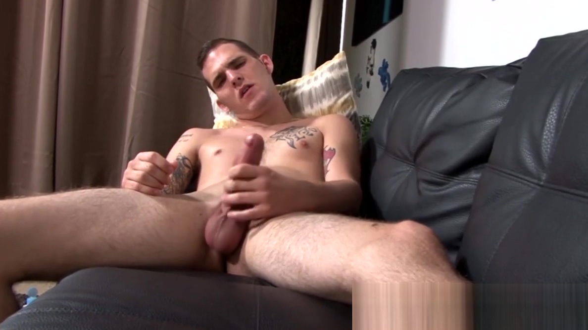 Skinny army homosexual Bo Connor solo thugs his hard penis free chicks and monsters porn movies