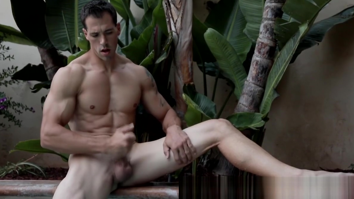 Buffed homosexual man jacks off big cock in the pool xxx vintage taboo mother daughter blowjob