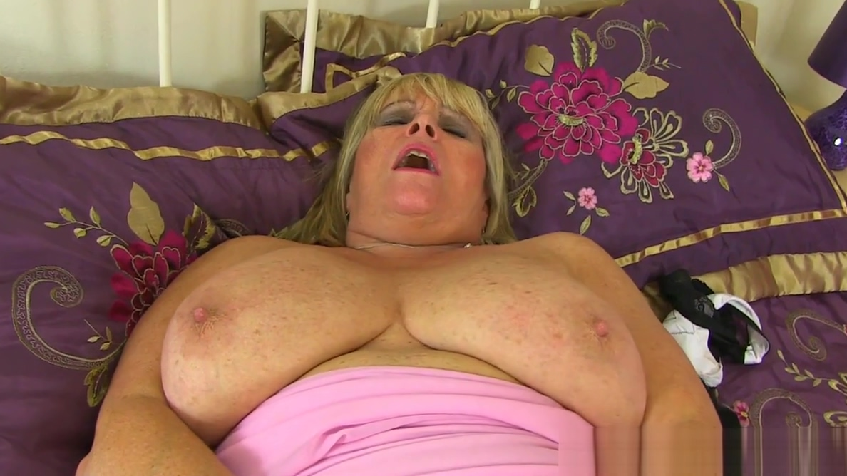 British gilf Tigger exposes her big tits and wet hole naked girls with big booba