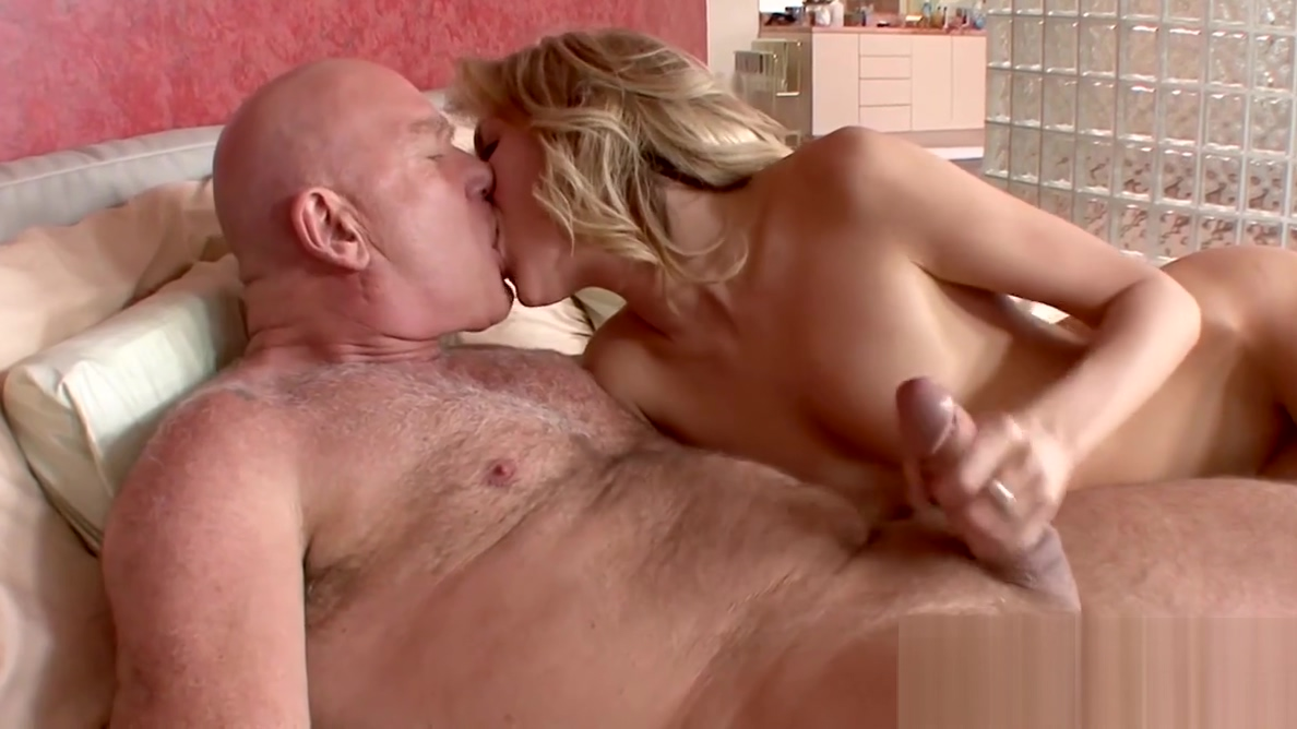 Teen Emily Kae cunt hammered by old dick amputee porn videos 4