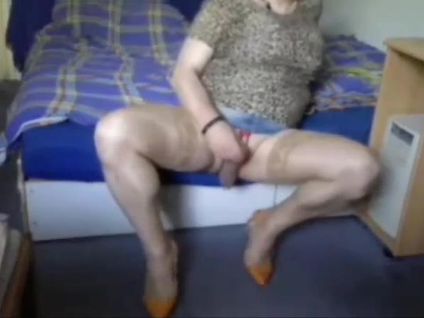 Rosi wichst auf bett Hot boob contest