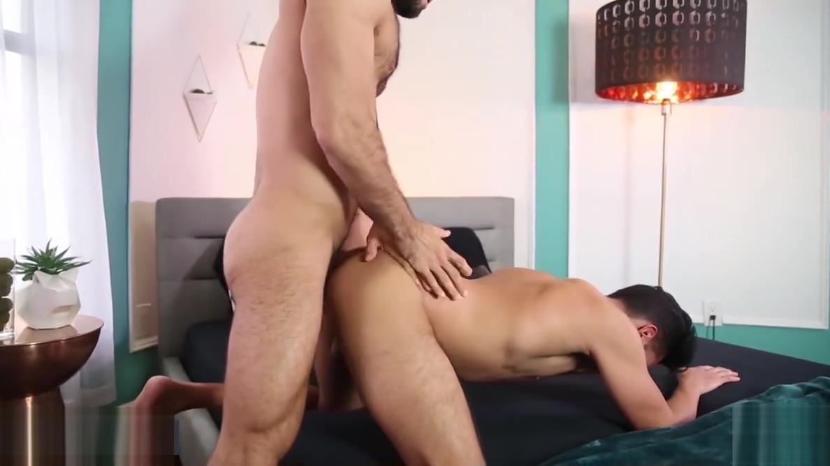 Diego Sans and Zayne Hardy - Can You Hear Me Now - Drill My Milf huge tits hanging