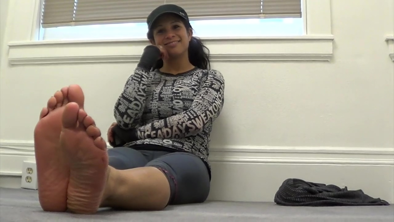 OVERPOWERING STINKY INSTRUCTOR SOLES AFTERCLASS!!! - CSS Teen kasia shorts