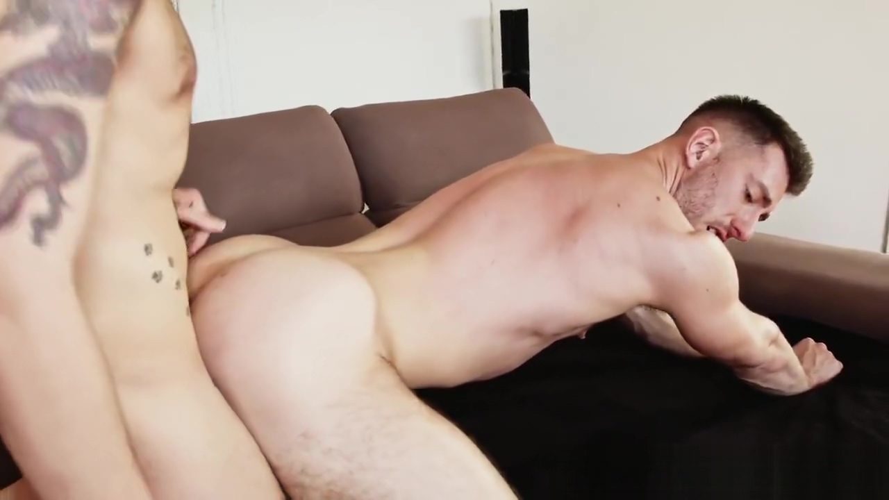 White mans, Big cock bareback Short hair big tits naked