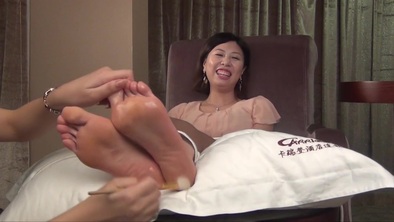 China Tickling Model EMILY Tickling Torture part 2 Hung aussie