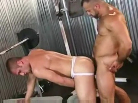 Muscle daddy vs Pup Hottest outdoor catepillar pussy eating