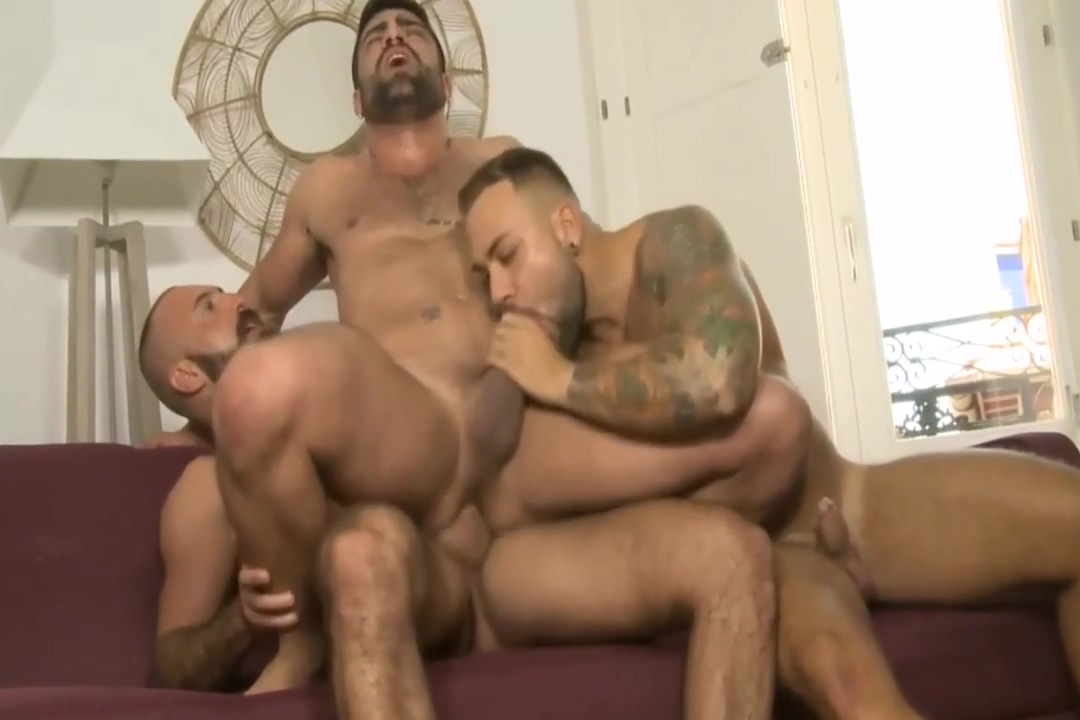 Hot muscle threesome raw fuck Black bbw and white bbw dildo games
