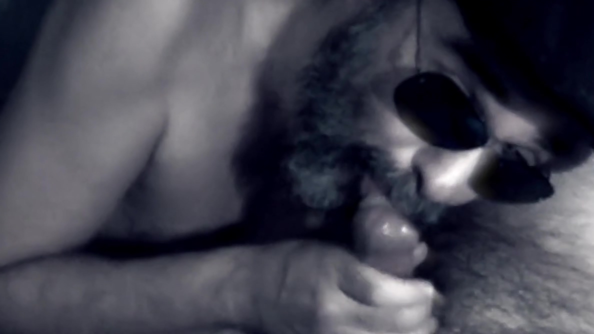 Cheap bearded prostitue takes it raw and swallow cum Www melonstube