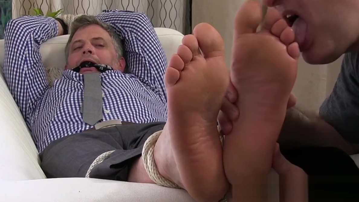 Old guy got tied up and has his toes sucked by a freak Softcore non porn videos