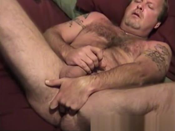 Mature Amateur Scott Jerking Off her first anal was hard