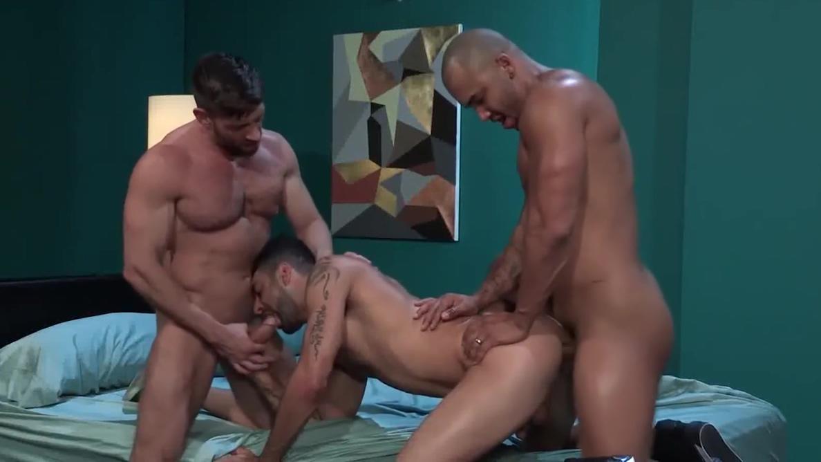 PW 54 Gif milf bouncing tits