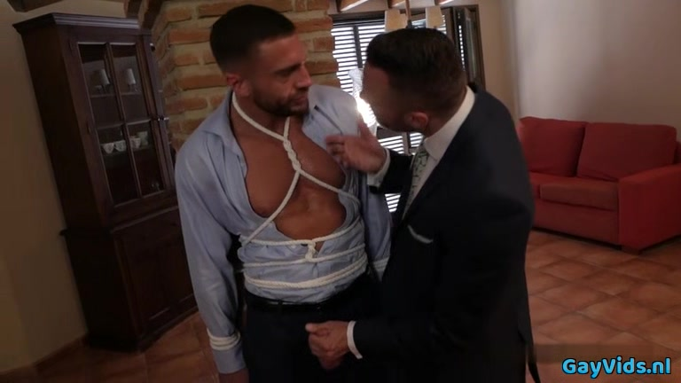 Muscle gay bound with facial Free Wives With Dildos