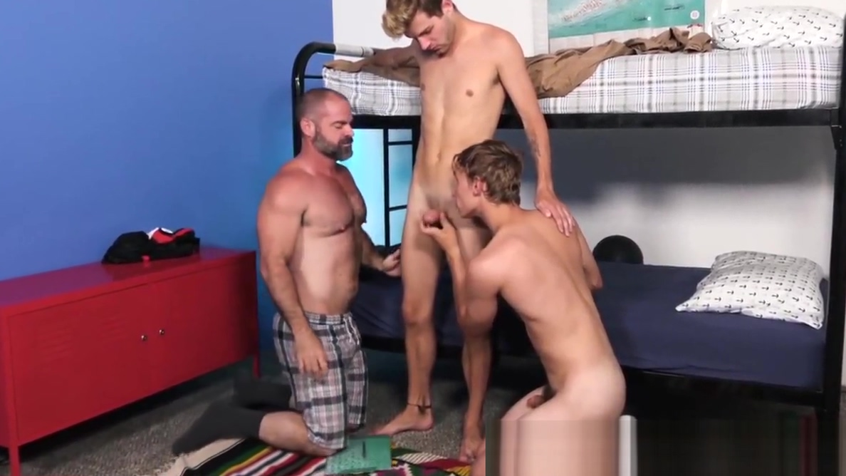 Hairy hunk having bareback threesome with stepsons Chastity lynn hardcore