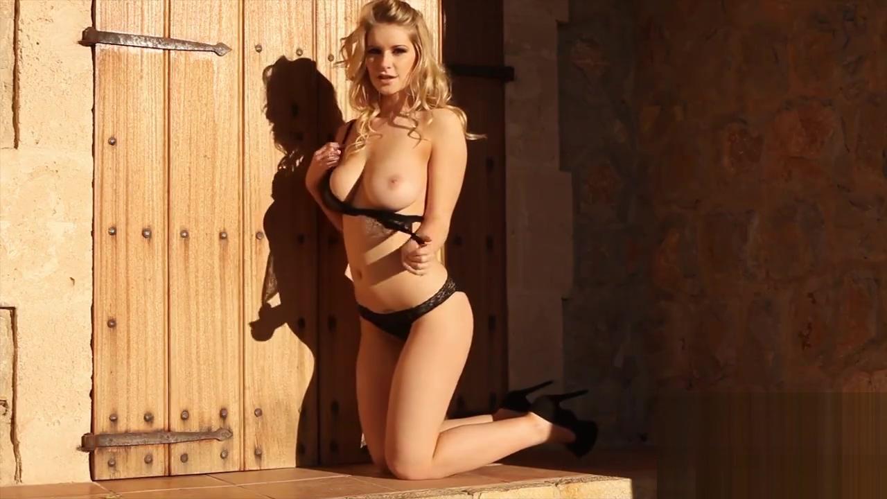 Jess Davies v14 lick pussy wet