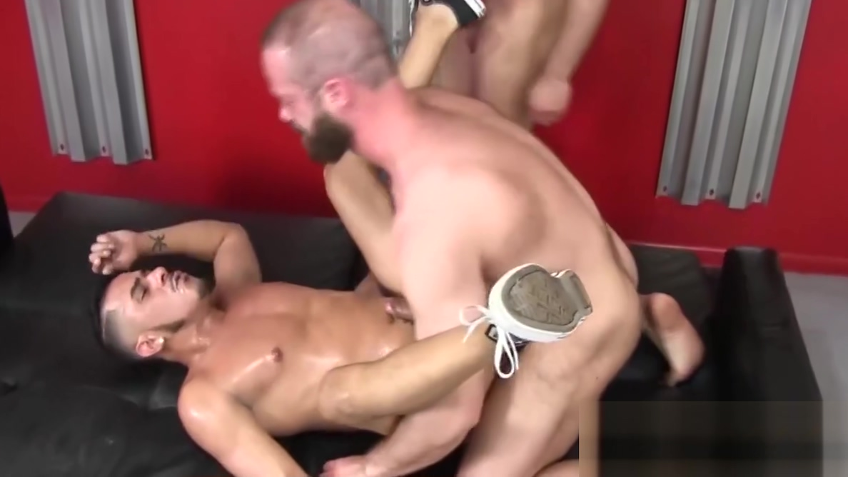 Cock hungry jock pounded hard by two hairy butt buddies amateur porn college free