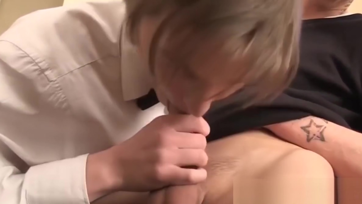 Twink waiter sucks and rides dick after the dinner service Mi Papi Se Folla A Mi Amiga