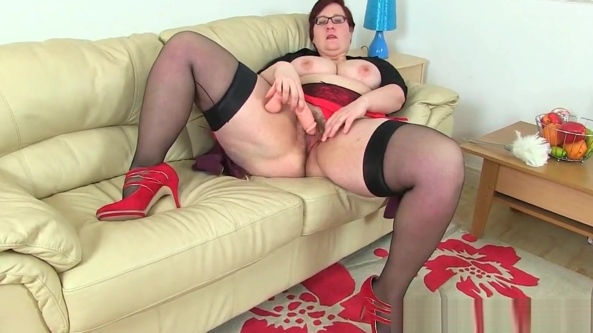 English BBW Sarah Jane gives her fanny a dildo treat The best family guy porn
