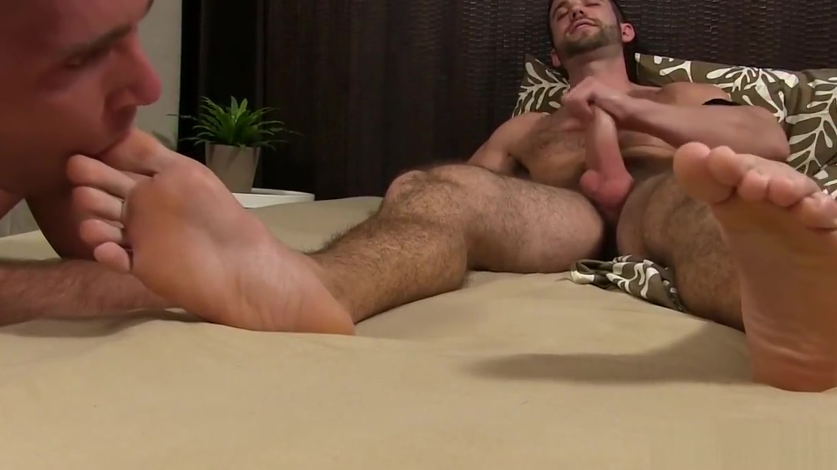 Bearded hunk jerks off while being feet worshiped and sucked Marathi girls pussy lmages free