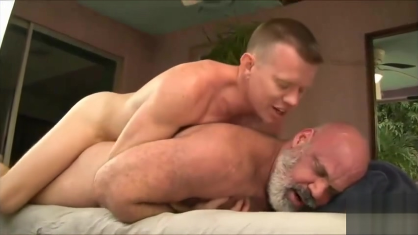 Bear fucked by younger man - gaysexaddiction.blogspot.com Pakistani guy sex pics