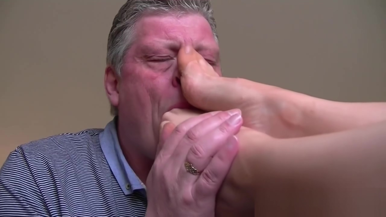 Mature Nylon Footjob Trimmed red pussy