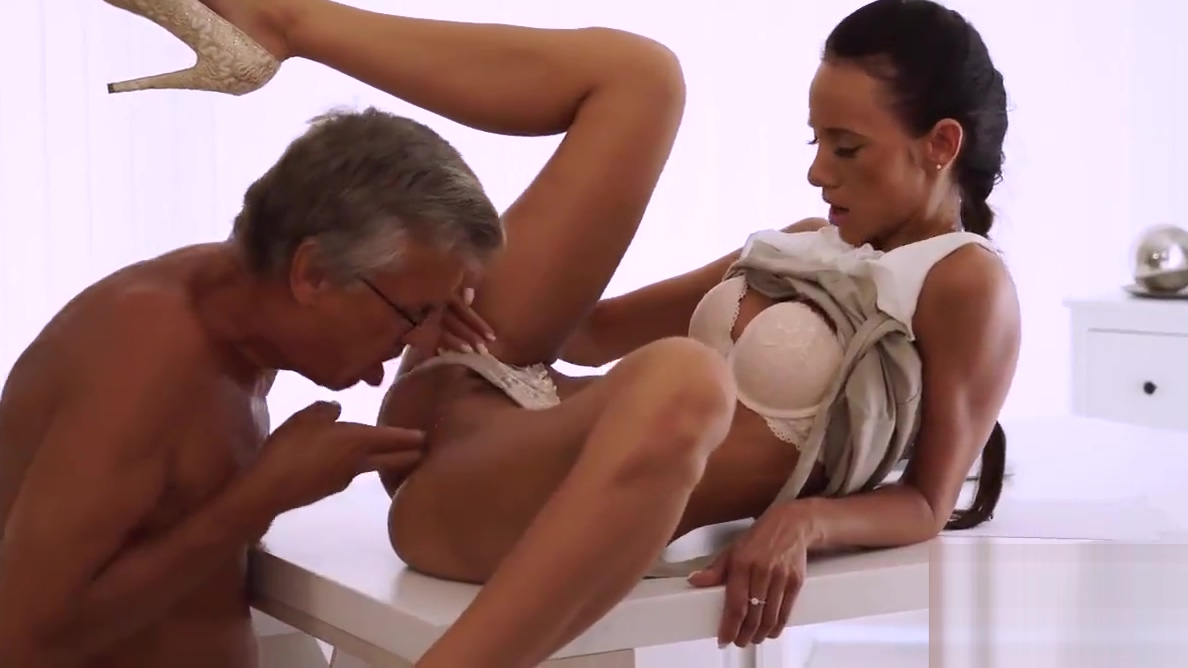 OLD4K. Sexy worker finally gets chance to make love with old live single adult webcams